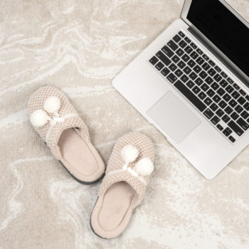 Learn these baby steps to financial freedom anyone can take. These simple tips will show you how to make a budget, frugal living, become debt free, have passive income, make extra cash, and get financial freedom.