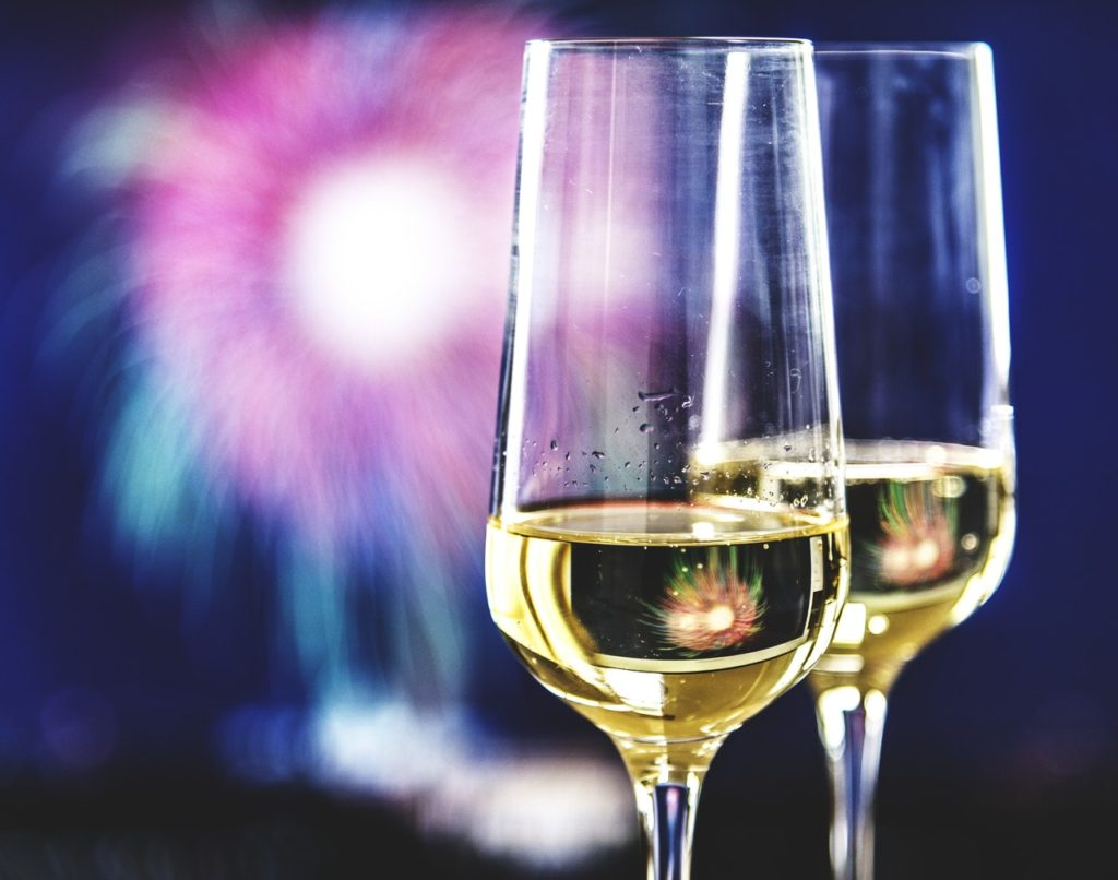 inexpensive ways to celebrate New Year's Eve