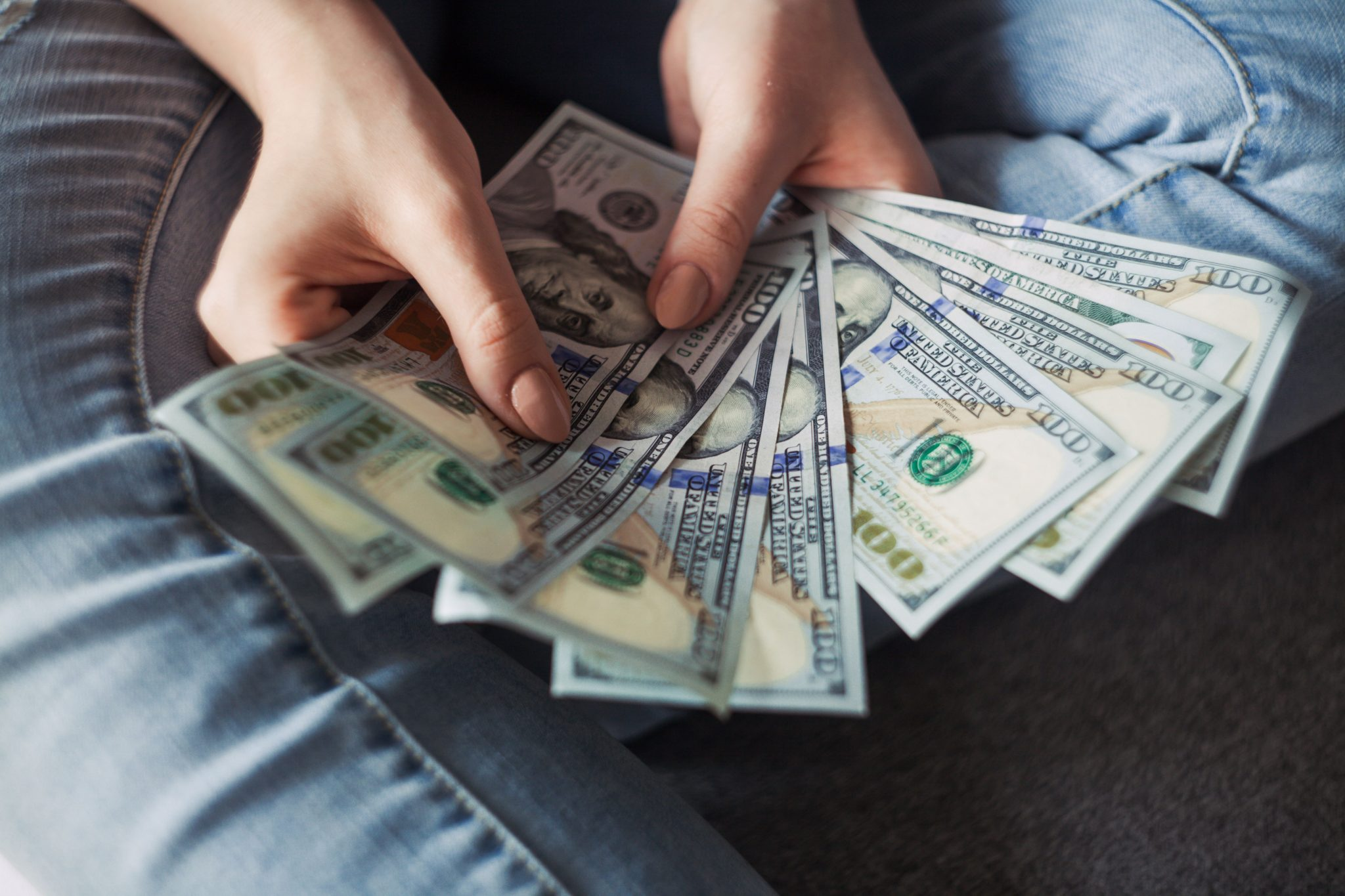 A handful of money (Ways to save money)